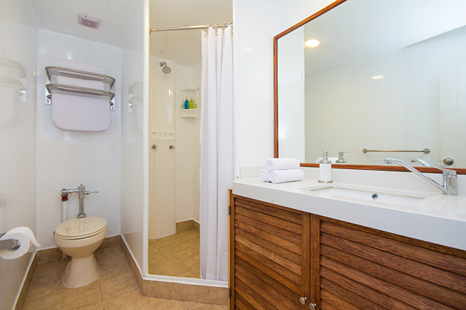 Tip Top II bathroom